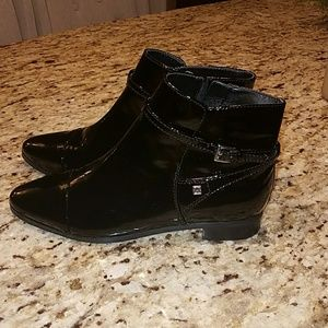 Black lacquer leather booties